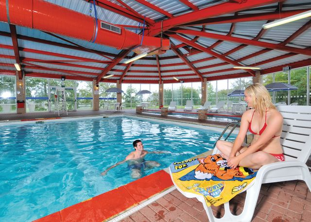 Holiday lodges in cornwall and cornwall log cabins 88 to - Hotels in looe cornwall with swimming pool ...